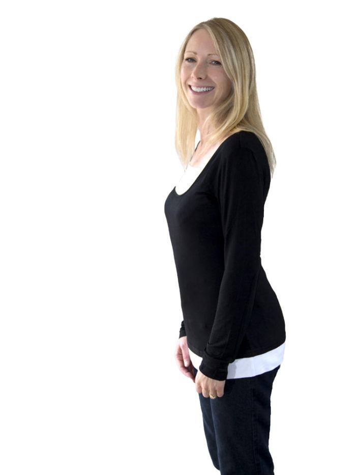 Nina top in black/white.